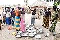 Ruzie tussen de vrouwen in het dorp om rijst in Senegal.jpg