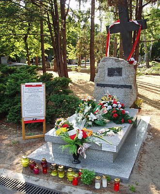 Ryszard Kukliński - Colonel's Kukliński's grave at the honour row of the Powązki Military Cemetery in Warsaw
