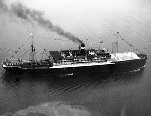 SS Ancon transiting the Panama Canal 1939.jpeg
