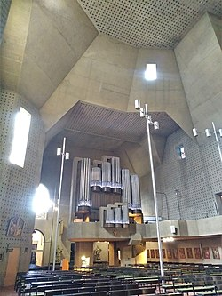 Saarlouis St. Ludwig (Innenraum und Mayer-Orgel) (25).jpg