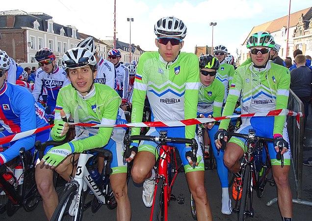 Saint-Amand-les-Eaux - Paris-Roubaix juniors, 10 avril 2016, départ (C16).JPG