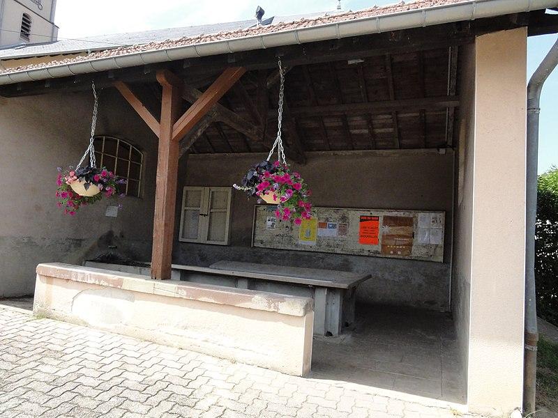 Sainte-Pôle (M-et-M) lavoir, extérieur