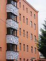 Salzburg - Elisabeth-Vorstadt - Kieselgebäude - Balkone.jpg