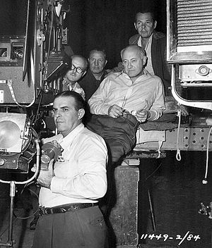 George Barnes (cinematographer) - Top right - George Barnes behind Cecil B. DeMille on set of Samson and Delilah (1949)