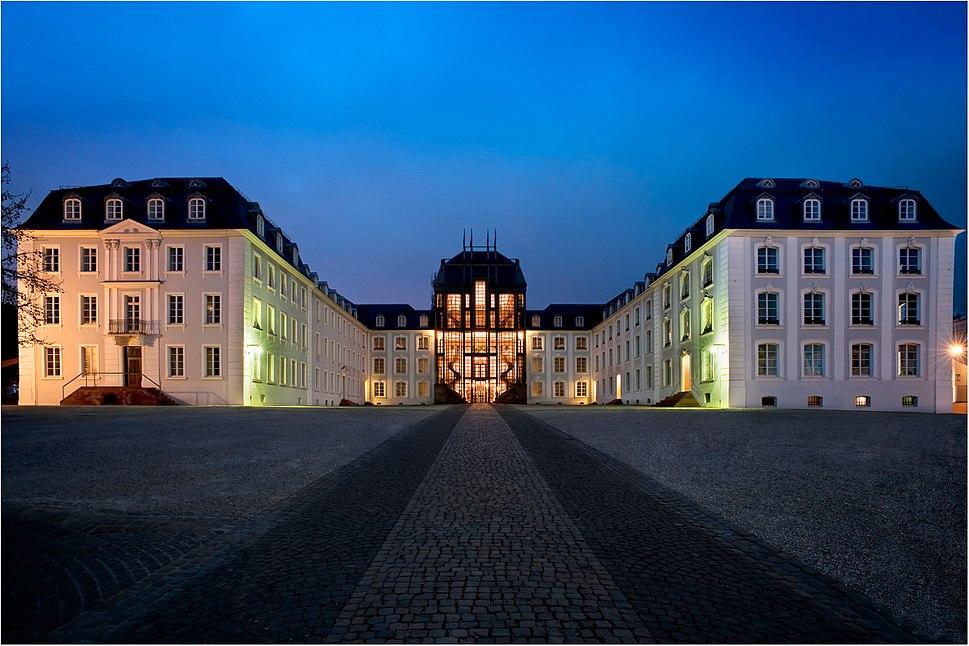 Schloss Saarbruecken blaue Stunde