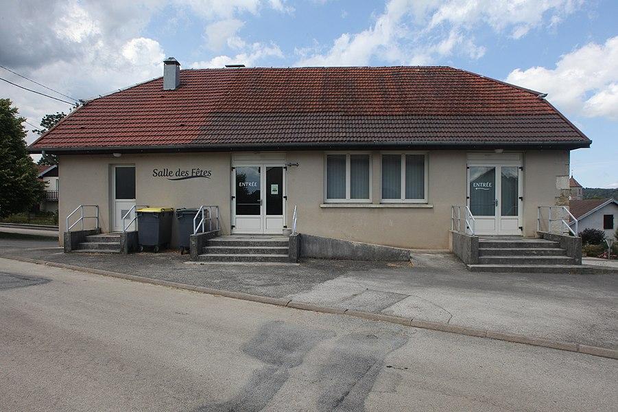 Salle des fêtes de Septfontaines (Doubs).