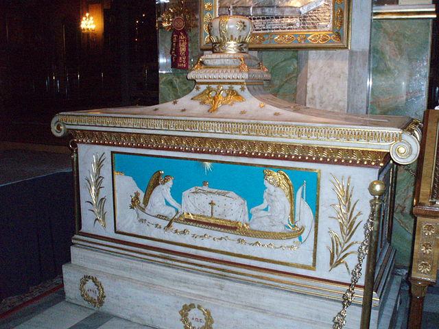 http://upload.wikimedia.org/wikipedia/commons/thumb/b/ba/Shrine_of_Grigorios_E.JPG/640px-Shrine_of_Grigorios_E.JPG?uselang=ru