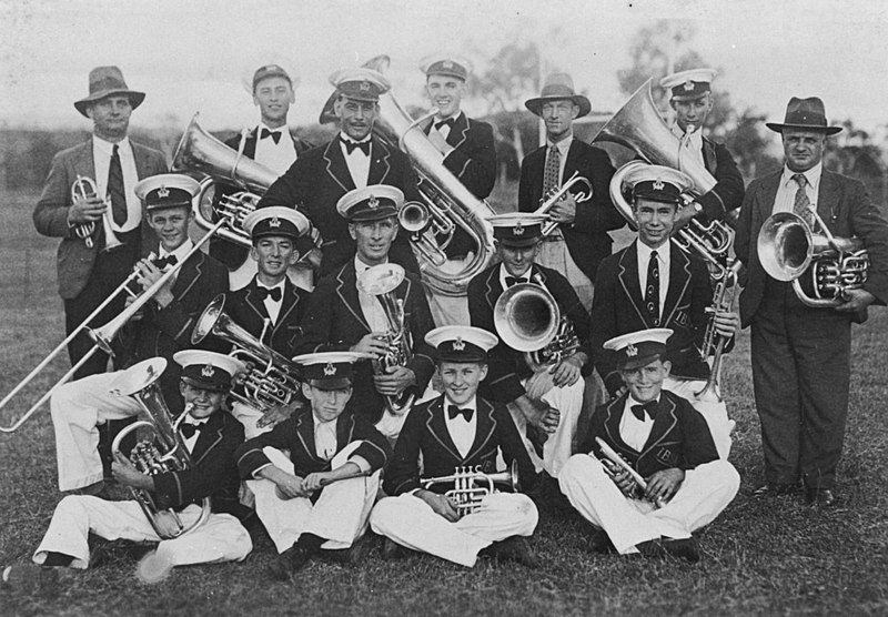 File:Silver City Band in Mount Isa, 1934 (9062693933).jpg