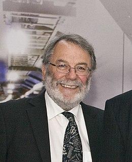Peter Knight (physicist) British physicist