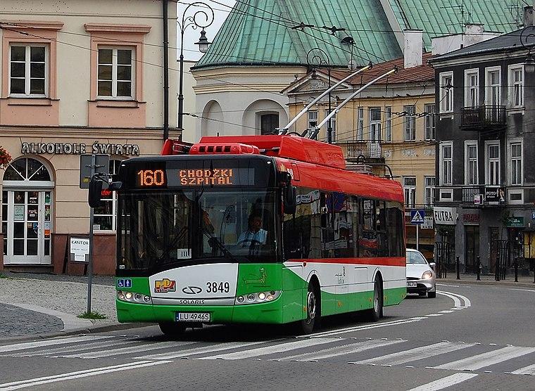File:Solaris trolleybus, Plac Łokietka, Lublin, Poland 01.jpg