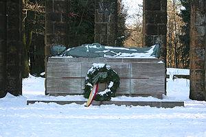 Soldatendenkmal auf dem Tönsberg