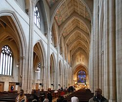 Southwark rc Cathedral interior 1.jpg