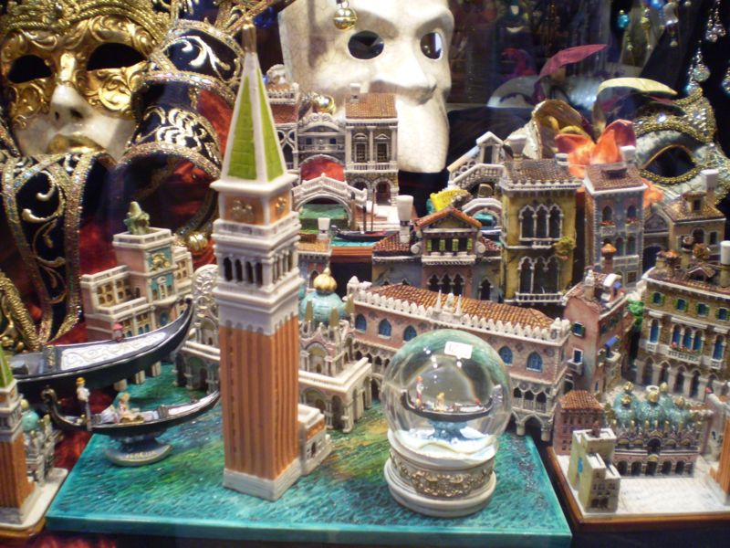 Comprar souvenir barato na Itália