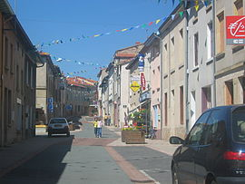 St Just Rue centrale.JPG