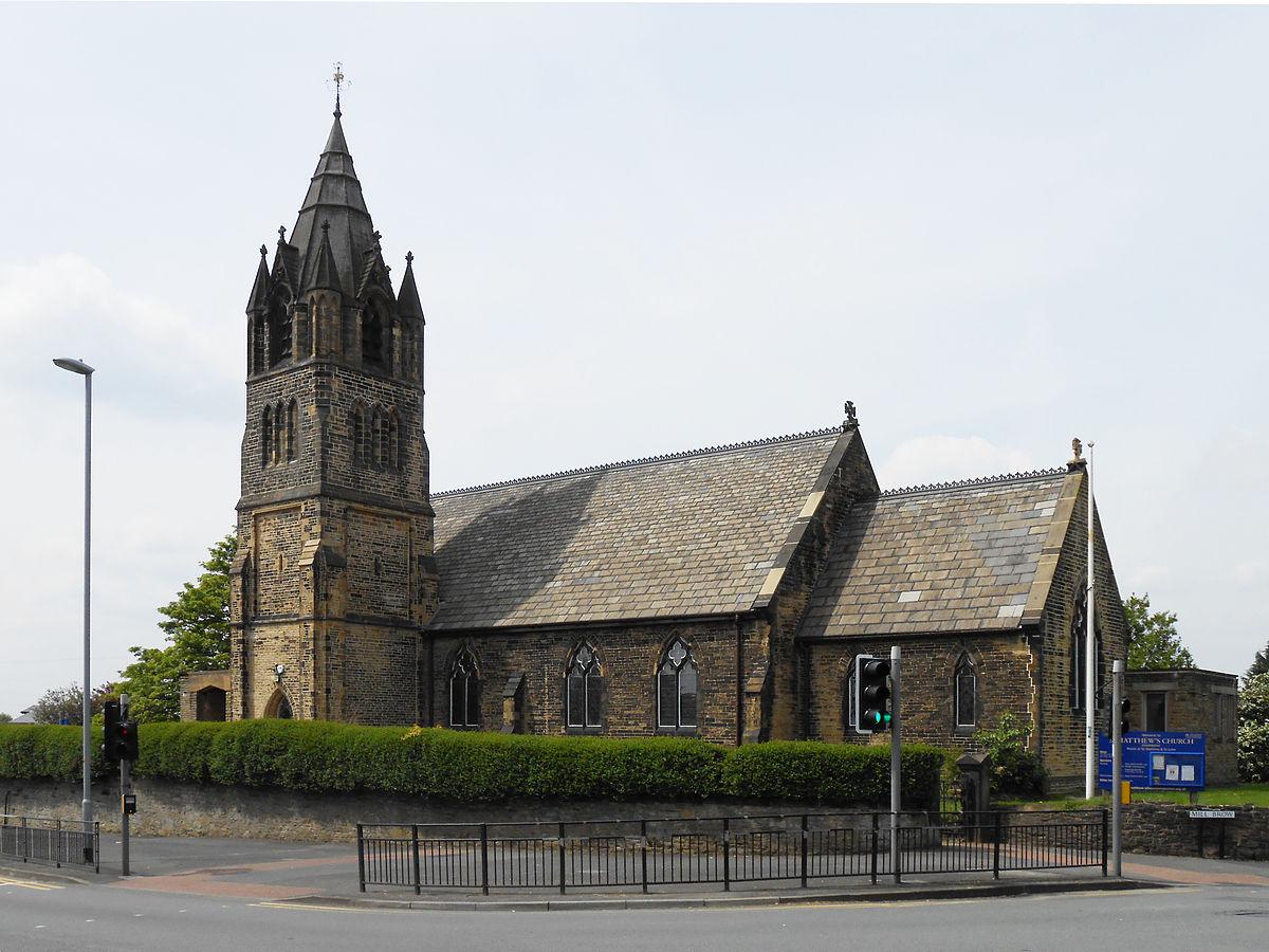 St Matthew's Church, Chadderton (1).jpg