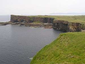 Staffa - geograph.org.uk - 354357.jpg