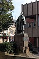 Standbeeld Pierre Cuypers op het Munsterplein te Roermond in Nederland 2014.jpg