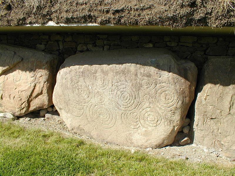 File:Stone Engravings Dowth.JPG