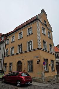 Stralsund, Fährstraße 26 (2012-03-11) 1, by Klugschnacker in Wikipedia.jpg