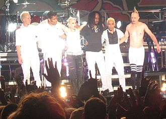 No Doubt - No Doubt performing on the 2009 Summer Tour