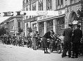 Szent István út (gróf Tisza István tér), háttérben jobbra az Aradi vértanúk útja kereszteződés. Győri csillagtúra rajtja. Fortepan 10538.jpg