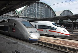 TGV 4405 en ICE International 4654 op Frankfurt am Main Hbf (2009)