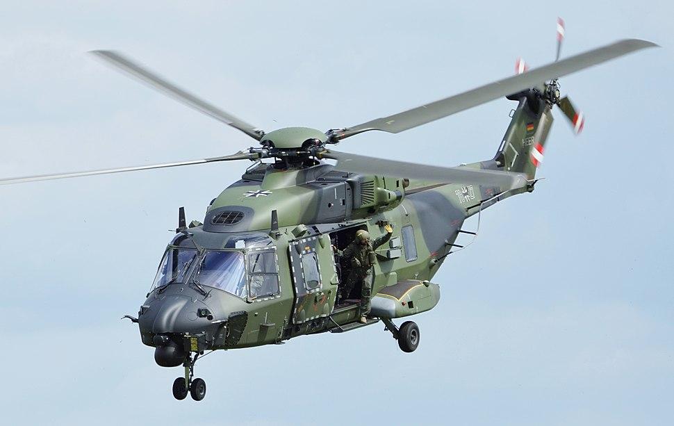 Tag der Bundeswehr NH90 (cropped)
