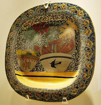 Talavera pottery - Talavera serving dish by Marcela Lobo on display at the Museo de Arte Popular, Mexico City.