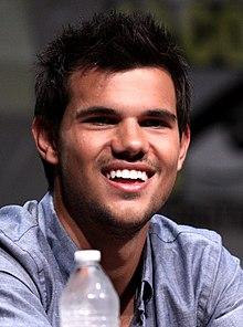 Taylor Lautner Comic-Con 2012.jpg
