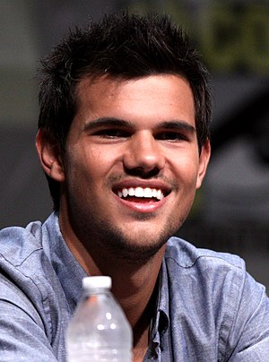 33rd Golden Raspberry Awards - Image: Taylor Lautner Comic Con 2012