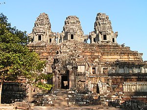 Lara Croft: Tomb Raider - Ta Keo at Angkor.