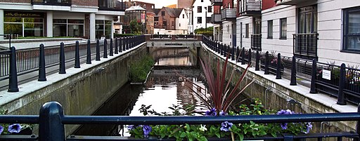 The Hogsmill river where it joins the Thames at Kingston. - panoramio