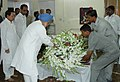 The Prime Minister, Dr. Manmohan Singh paying tribute to the mortal remains of the former Prime Minister Shri Chandra Shekhar, in New Delhi on July 08, 2007.jpg