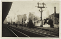 The last five o clock rush at the old Auckland railway station ATLIB 105037.png