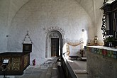Fil:Tingstäde kyrka - nordportal i koret.jpg
