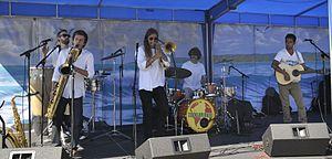 Todo Mundo (band) - Image: Todo Mundo at La Jolla Concerts 2014 08 17 018