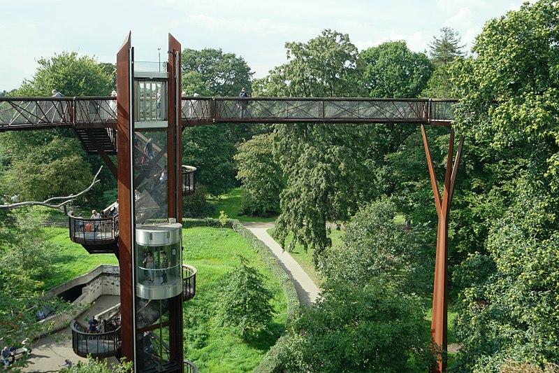 File:Tree top walkway, Kew Gardens.jpg