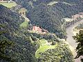 Trzy Korony - Widok na Červený Kláštor - panoramio.jpg
