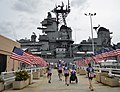 US Navy 111203-N-RI884-112 Service members and volunteers participating in the Ride 2 Recovery Cyclefest, a noncompetitive fundraising bike ride, t.jpg