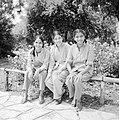 Uitstapje van jeugd uit een kibboets Drie joodse meisjes uit India, Bestanddeelnr 255-4487.jpg