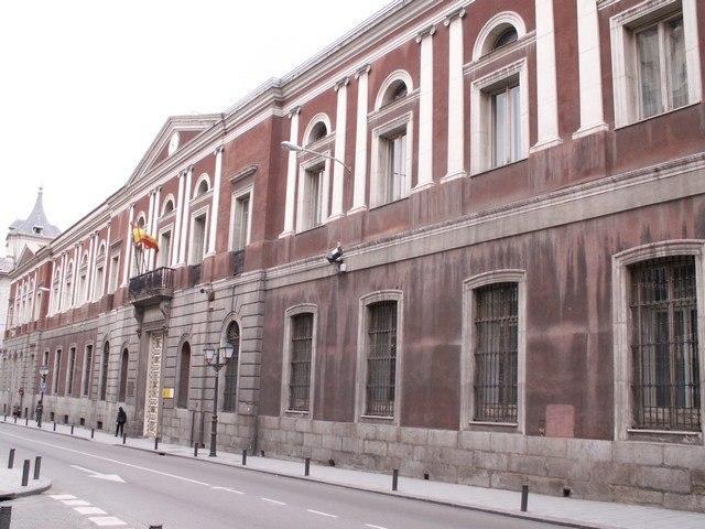 Universidad Central e Instituto Cardenal Cisneros