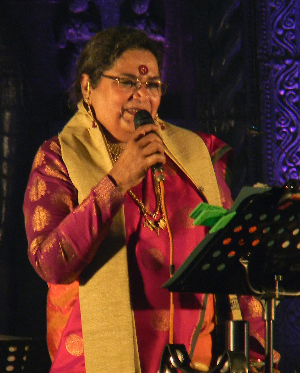 Usha Uthup at Toshali National Crafts Mela, Janata Maidan, Bhubaneswar 3