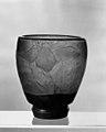 Vase MET sf22.184.13.jpg