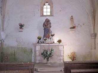 Chapelle Saint-Gibrien - Marian shrine inside the chapel.