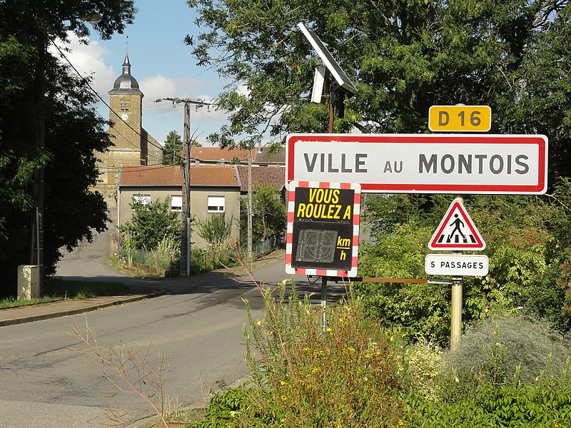 Ville-au-Montois (Meurthe-et-M.) city limit sign