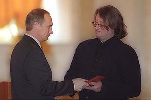 https://upload.wikimedia.org/wikipedia/commons/thumb/b/ba/Vladimir_Putin_28_April_2000-3.jpg/300px-Vladimir_Putin_28_April_2000-3.jpg