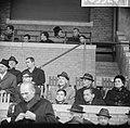 Voetbalwedstrijd Willem II - Ajax te Tilburg 1-4 bondscoach Kessler (midden, b, Bestanddeelnr 918-5524.jpg