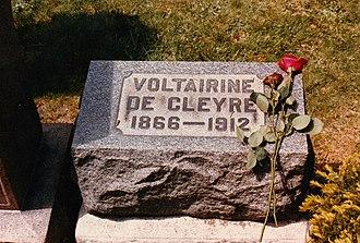 Voltairine de Cleyre - De Cleyre's grave in Waldheim Cemetery, Forest Park, Illinois