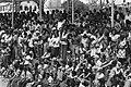 Voorbereiding onafhankelijkheid in Suriname toeschouwers bij bootraces, Bestanddeelnr 928-2874.jpg