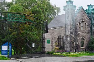 Notre Dame des Neiges Cemetery - Image: WTMTL T09 ZAC7602